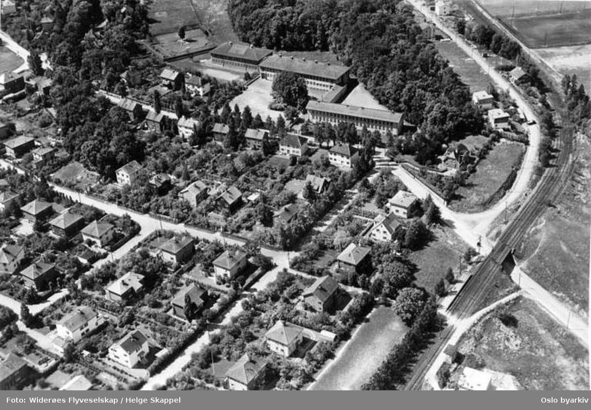 John Colletts allé, Irisveien, Humleveien, Kløverveien (Flyfoto)