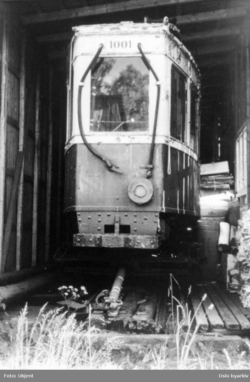 Motorisert sporvogn, SSW/Skabo (Boggi), konstruert av ingeniør Barth for Ekebergbanen fra slutten av 1. Verdenskrig til de ble utrangert omkring 1957. Nr 1001 betegner at dette var den første vognen av denne typen. I 1920-21 anskaffet banen ytterligere sju tilsvarende vogner, men med elektrisk utstyr fra NEBB av en mer moderne konstruksjon, og kraftigere motorer. Vognene 1006-1012 var alle utstyrt med to førerrom.