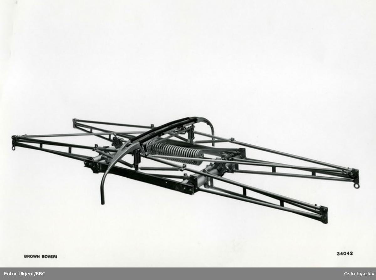Strømavtager, pantograf. Levert av Brown-Boveri & Cie.Leveransefoto BBC.