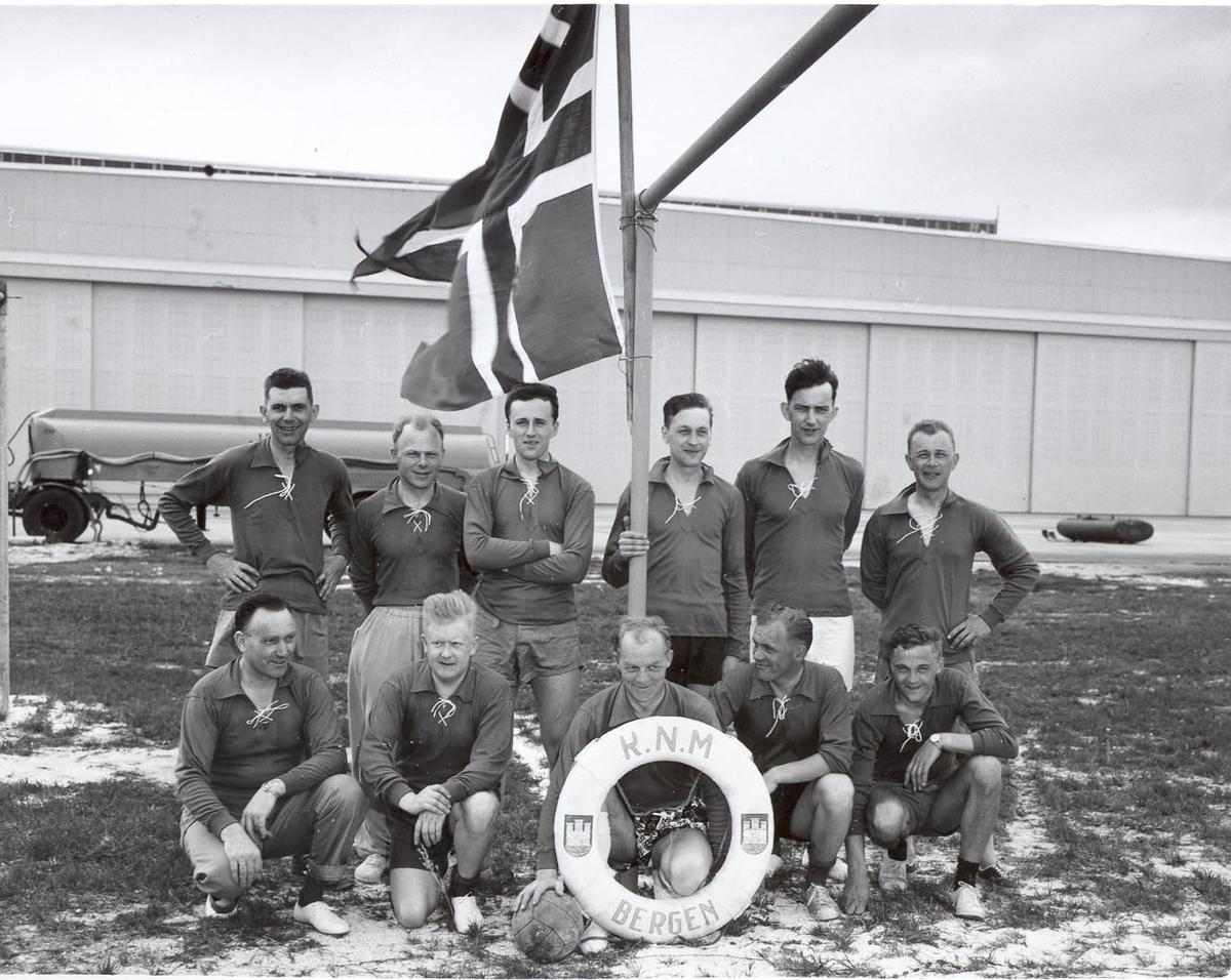 Jageren KNM Bergen's fotballag 1962