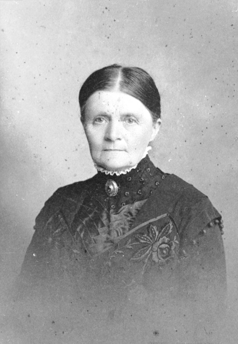 Portrett, Anne Berner f. Hundskjold, Kommerstad, Veldre, Ringsaker.