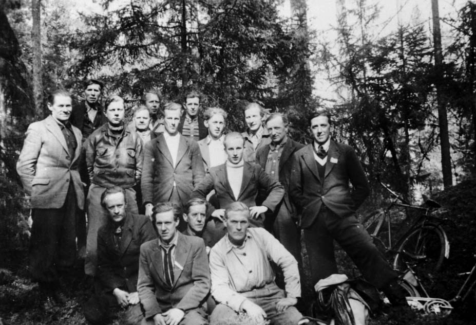 GRUPPE: 16 MENN, HJEMMESTYRKENE, MILORG-SAMLING, DEL AV OTTESTAD TROPP, BRYHNSÅSEN, OTTESTAD,