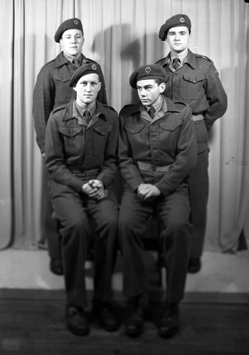 4 soldater