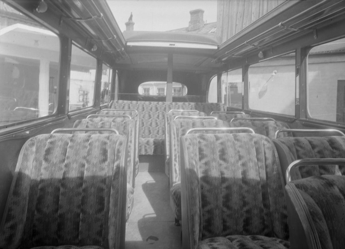"""Trondhjems Drosjeeieres Turistvogn - Volvo buss med soltak, såkalt """"Solskinnsbuss"""""""