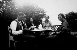Vinderen, Oslo 1926. Fra venstre: Kirsten Flagstads ektemann