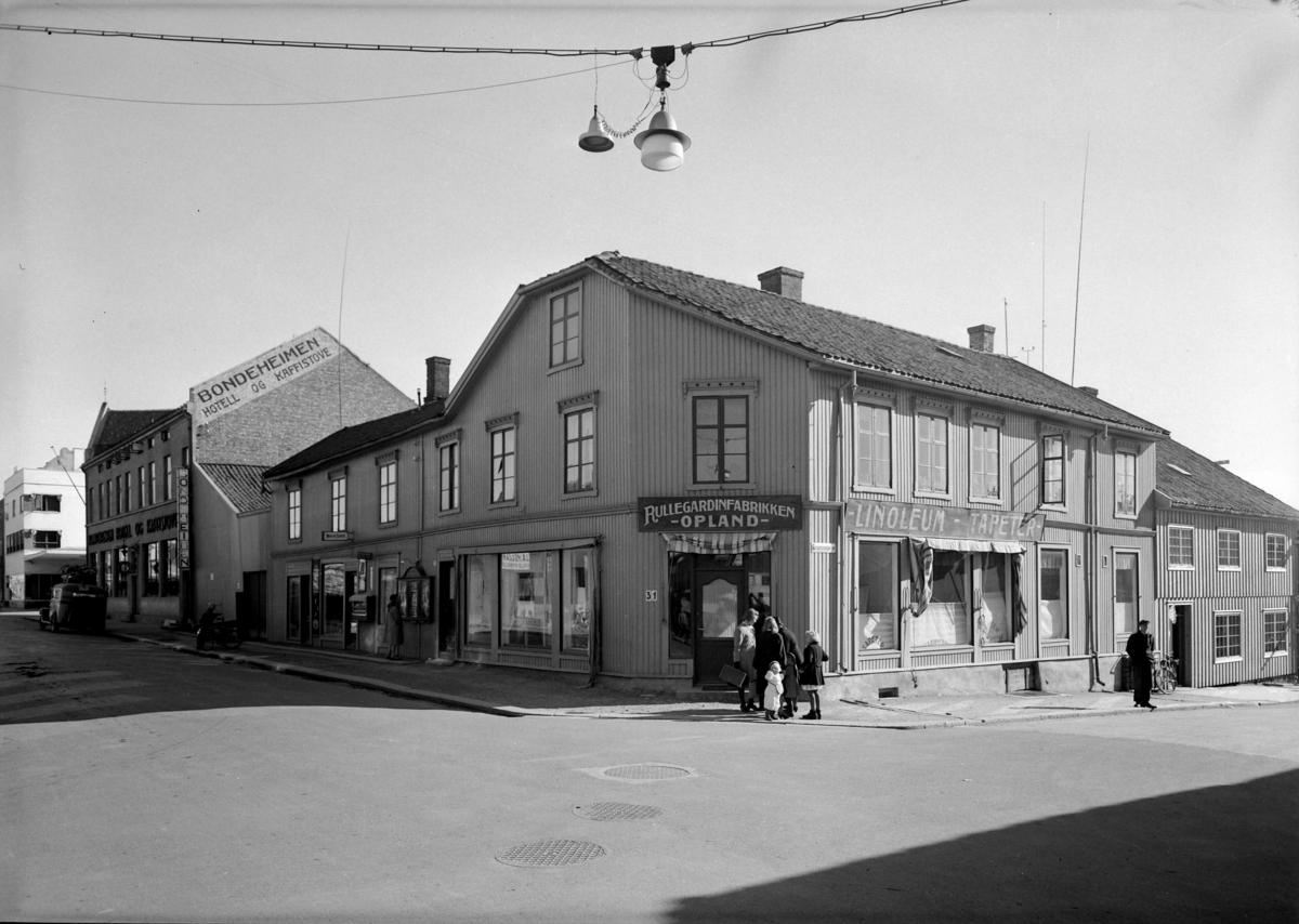 BONDEHEIMEN HOTELL OG KAFFISTOVE, RULLGARDINFABRIKKEN OPLAND, VANGSVEGEN 31-33, 29-9-1943