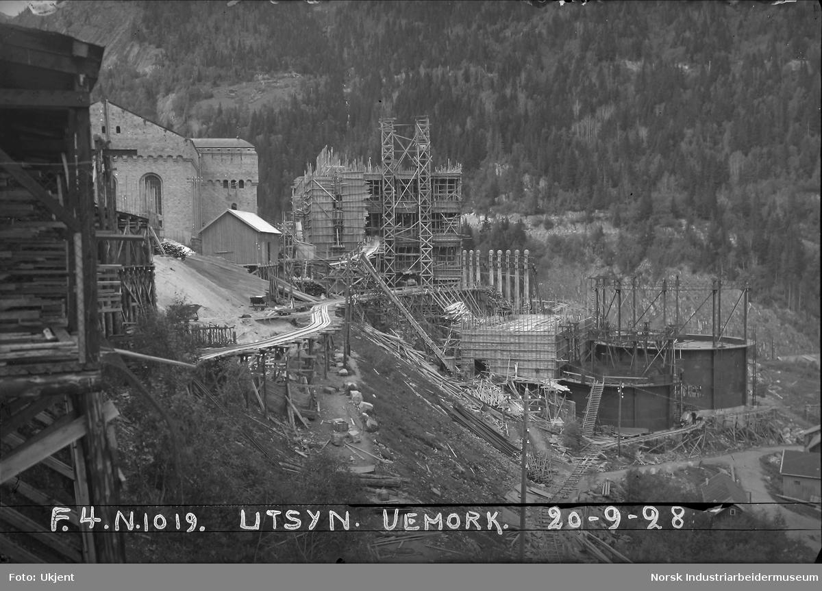 Vemork. Bygging av Hydrogenfabrikk og området rundt.