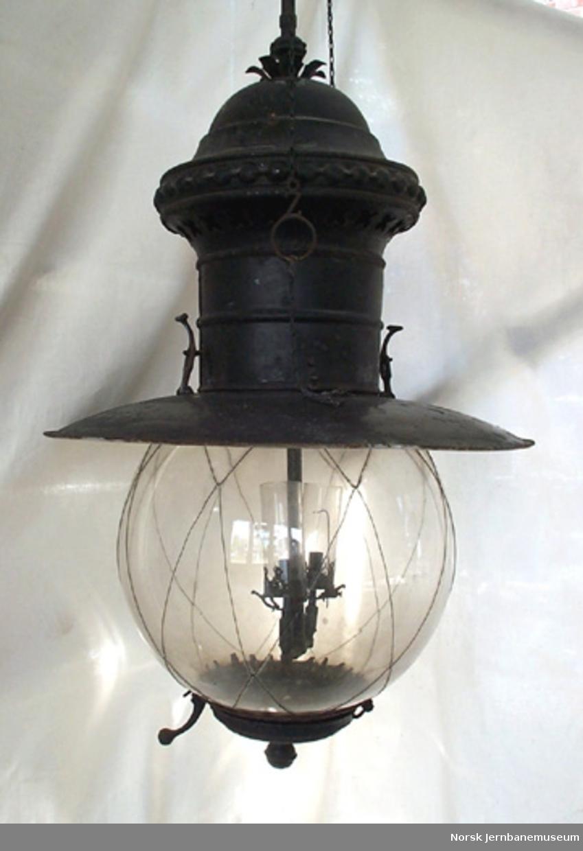 Lampe med glødenett for belysning av stasjonstomter