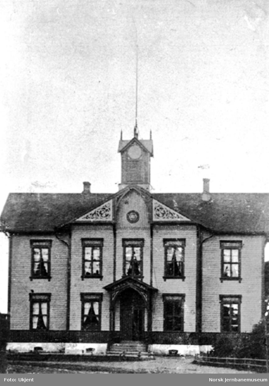 Hamar første stasjonsbygning sett fra bysiden