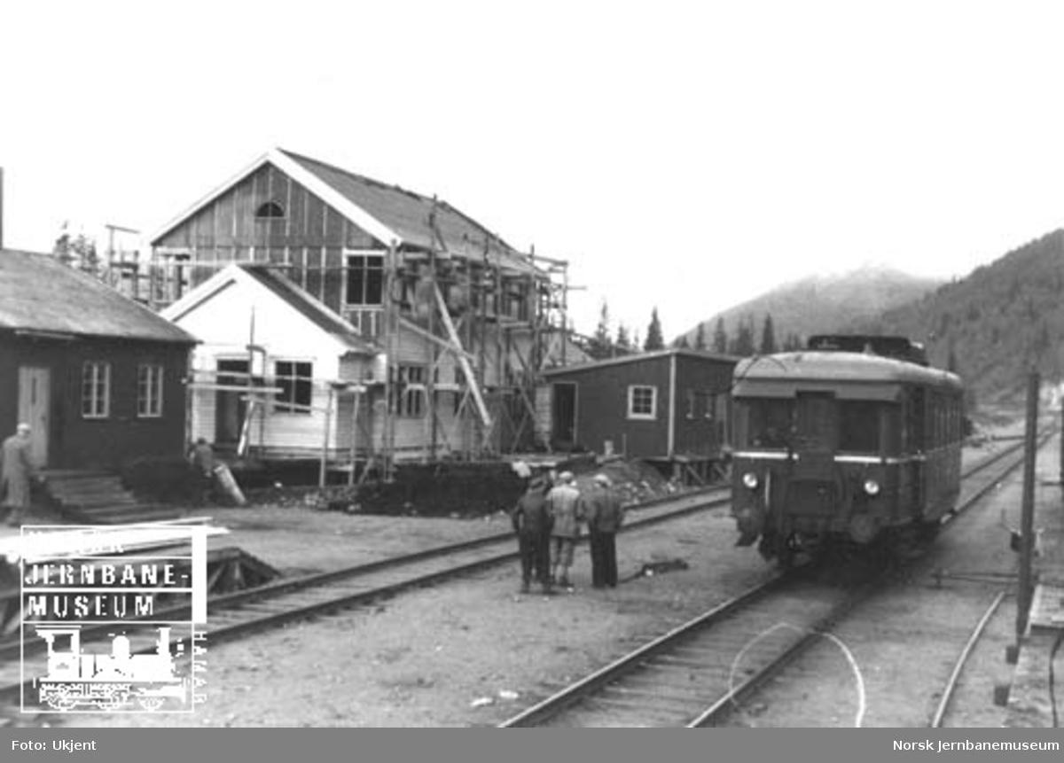 Befaring Dunderland-Lønsdal : Dunderland stasjon med motorvogn type Cmd 15
