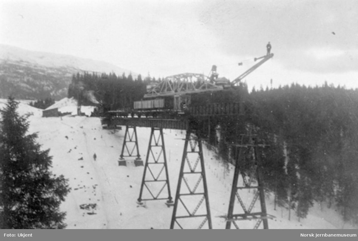 Røttesdal viadukt : montering av 4. spenn