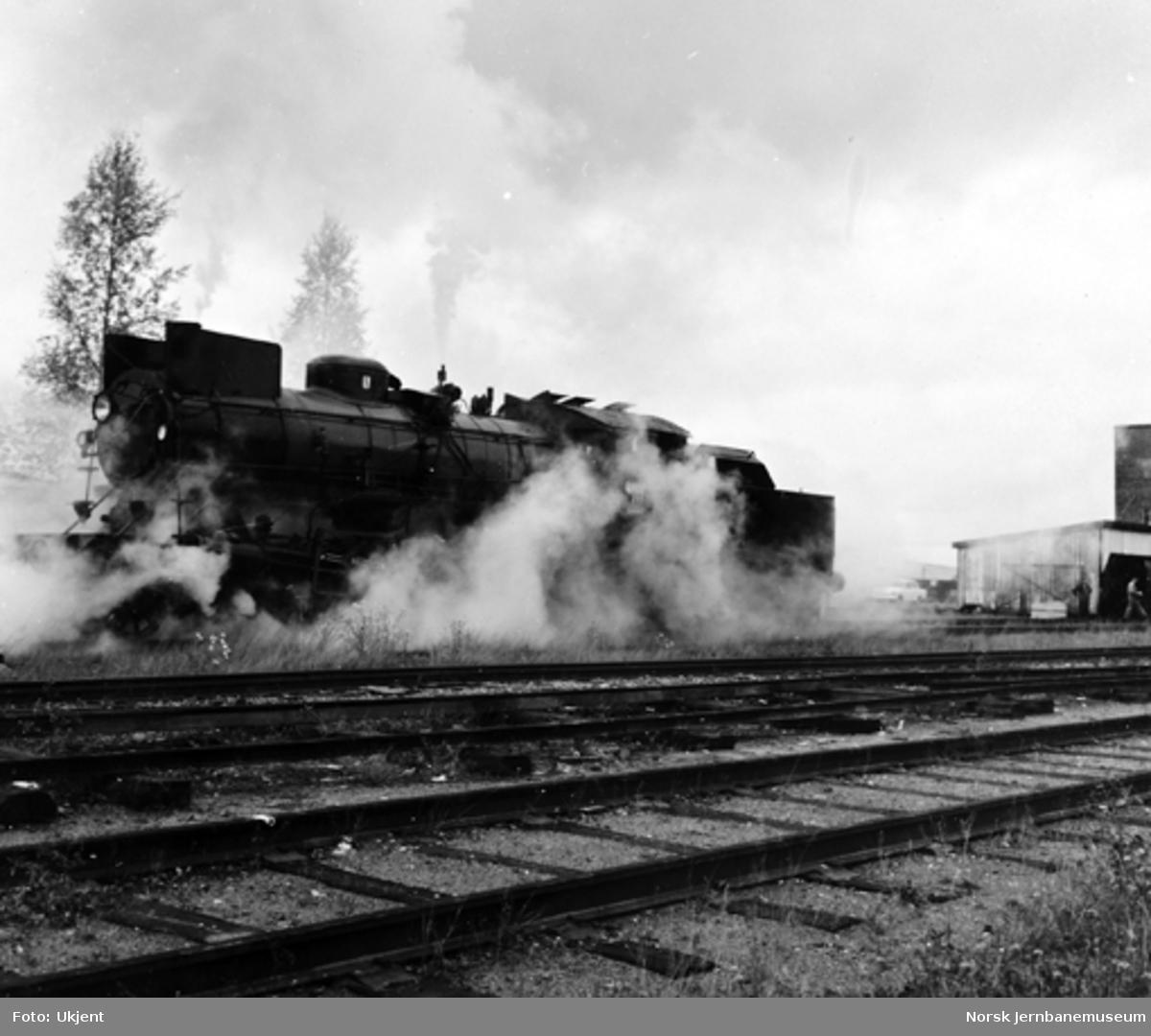 Damplokomotiv type 26a nr. 215 ferdig etter hovedrevisjon på Verkstedet Grorud, som det siste damplokomotiv som fikk hovedrevisjon der