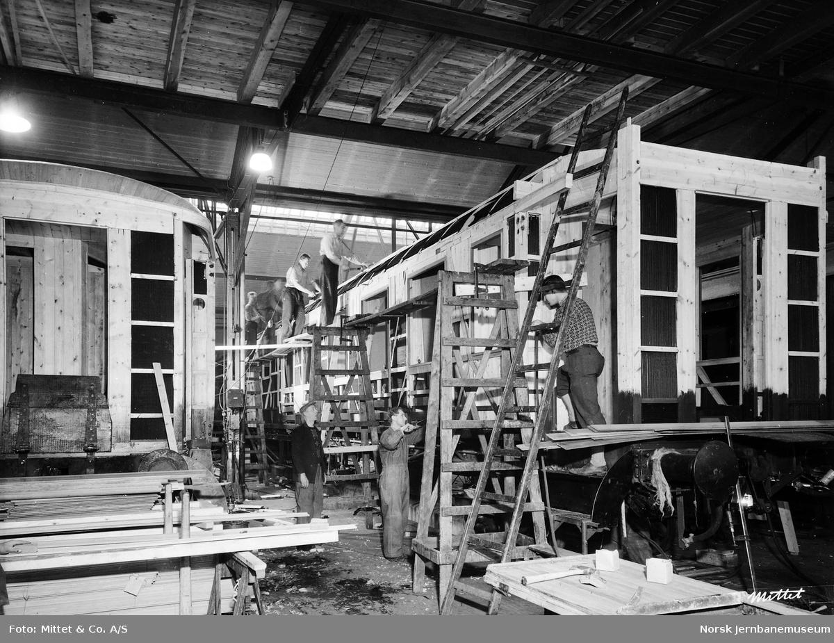 Bygging av personvognkasse på Verkstedet Sundland