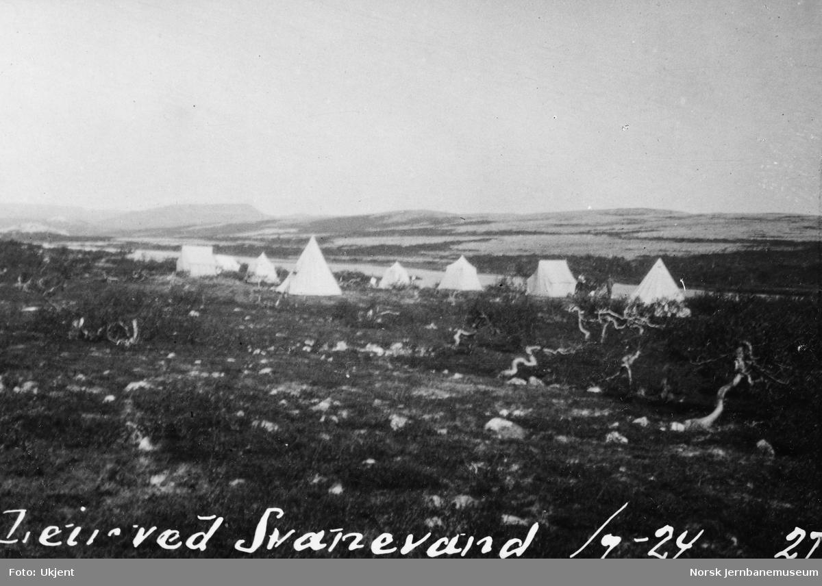 Jernbanestikking i Finnmark : teltleir ved Svanevand