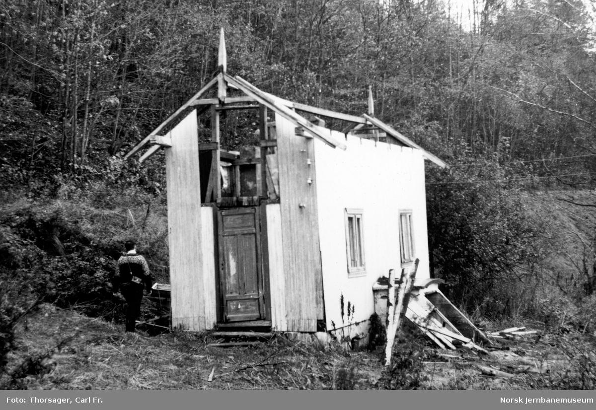 Uthuset fra Tronstad stasjon
