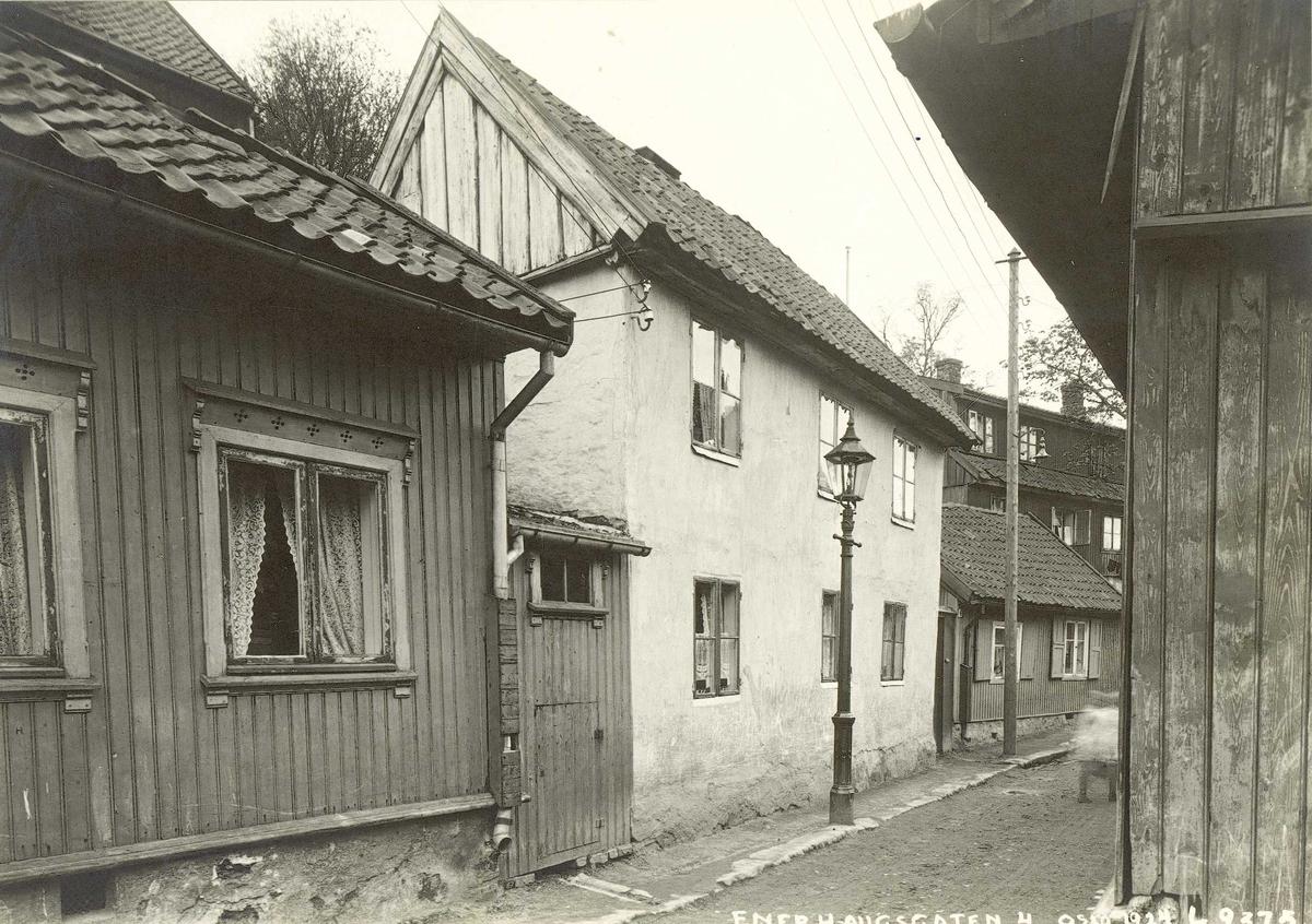 Enerhauggata 4, Oslo. 1924. Bolighus fotografert fra gata.